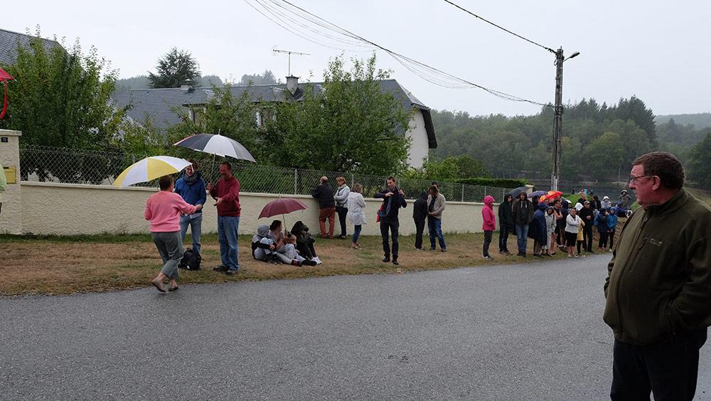 La pluie perturbe la course des caisses à savon